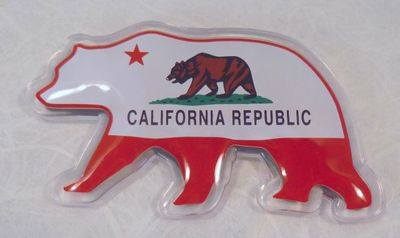 Souvenir Magnet.  California Bear Flag design.   Bear shaped magnet.