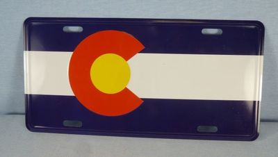 Colorado Flag design souvenir aluminum license plate.