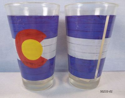 Souvenir Pint Glass with Colorado Flag Planks design